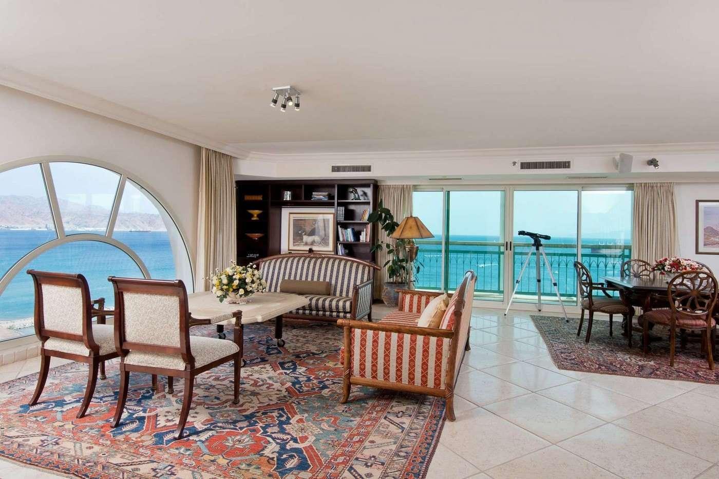 Herods Vitalis Hotel Eilat - Suite living area